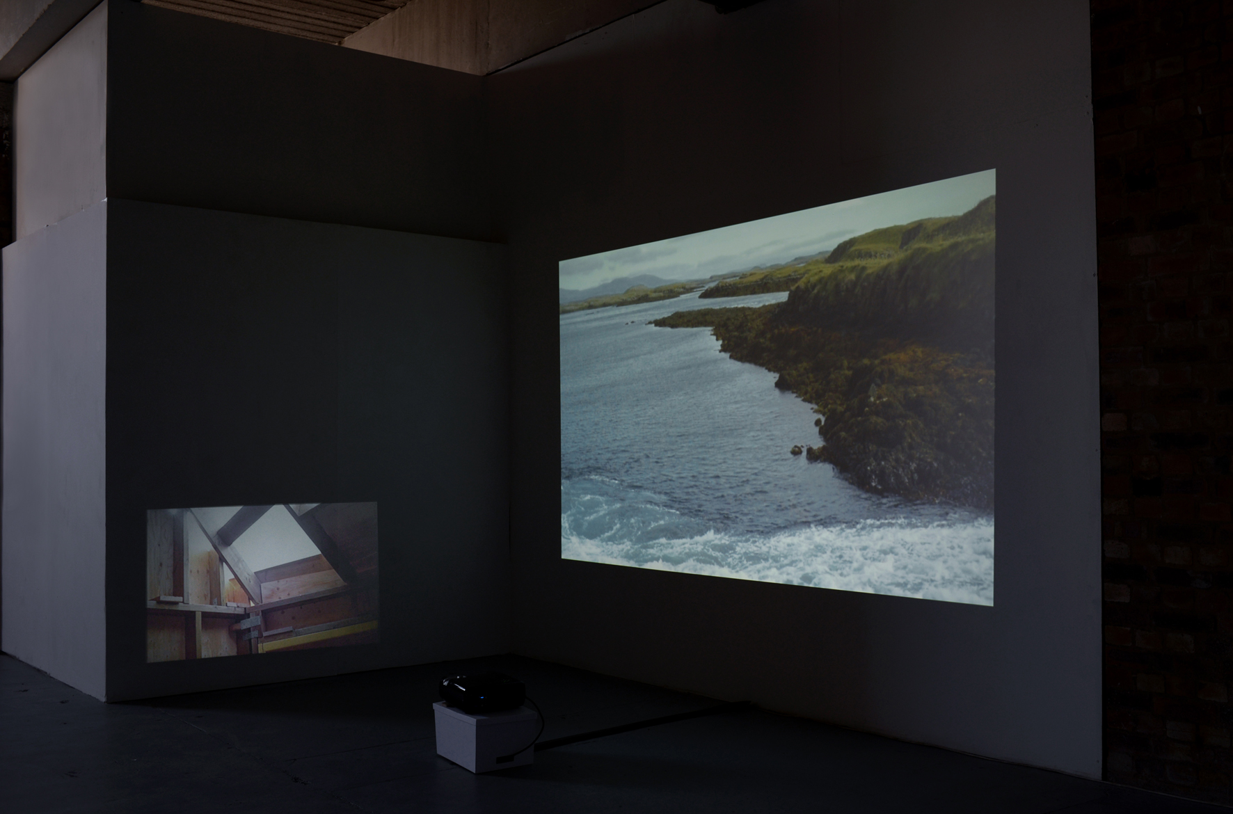 Make Place | Sophie Lee | 2017 | video installation | 2-channel video | installation view: ArtWork Atelier, Salford, UK | image: courtesy of the artist