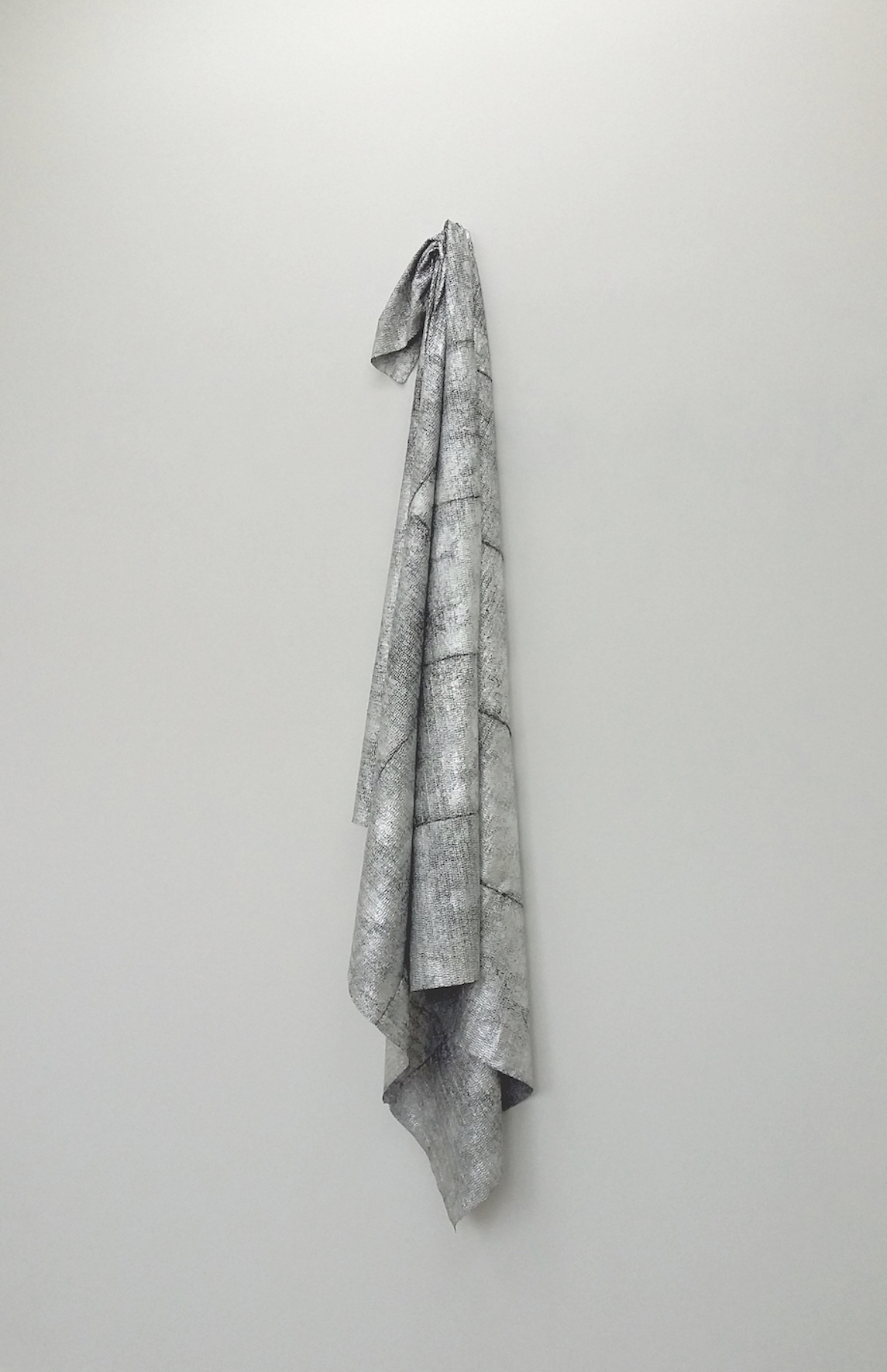 Hoodoo | Charlie Franklin, 2016 | aluminium leaf, rubber, thread | 198cm x 34cm x 16cm | image: courtesy of the artist